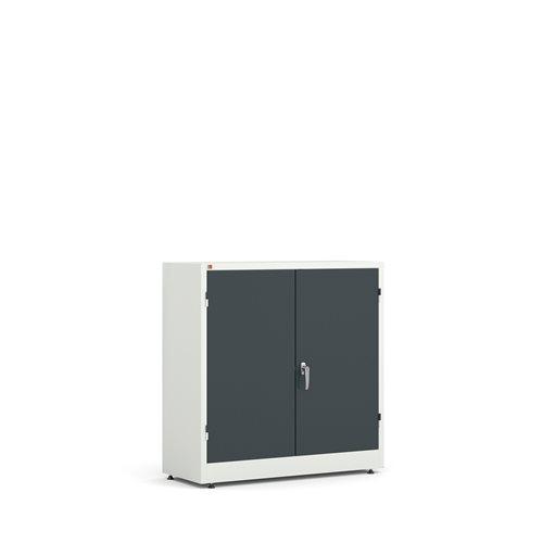 Biała szafa metalowa z szaymi drzwiami, 2 półki