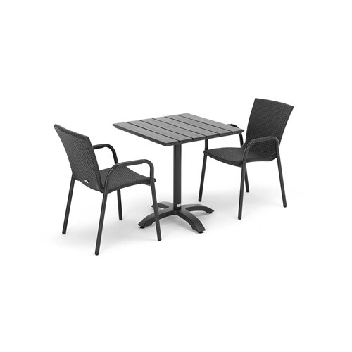 Caféset ett bord och två karmstolar