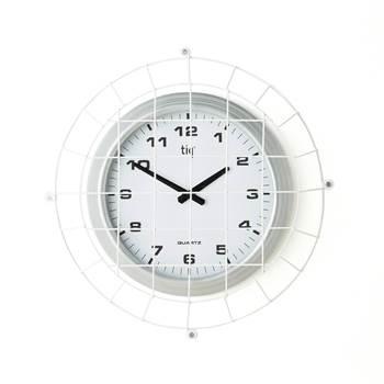 Elektryczny zegar ścienny z metalowym grillem