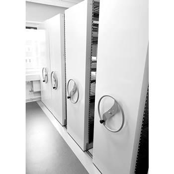 Hand crank moving shelf system: 20.5 m²