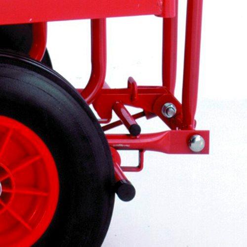 Turntable truck: parking brake