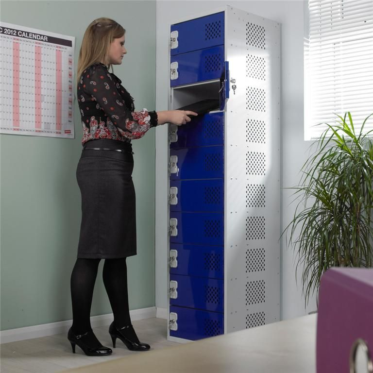 In Charge™ laptop lockers