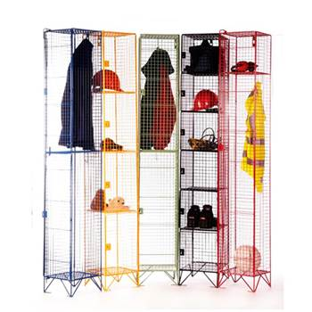 Low level mesh lockers