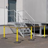 Outdoor belt barriers