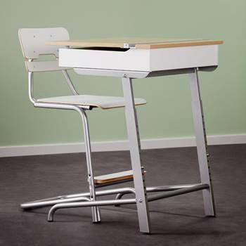 Axiom® school desk