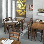 Eleganckie drewniane krzesła do restauracji