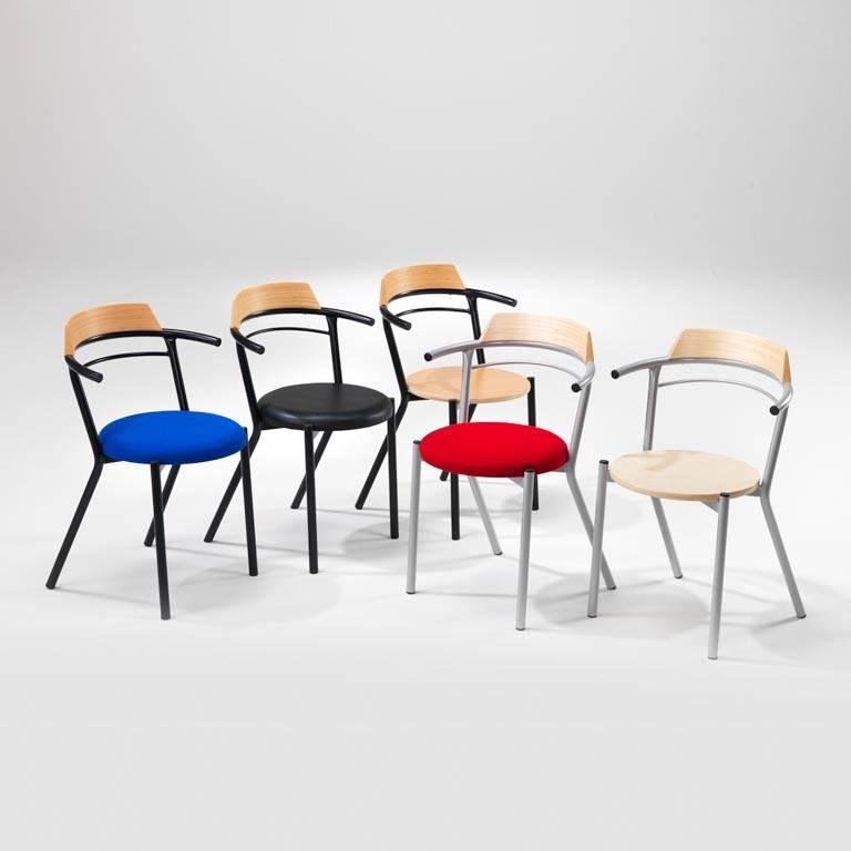Kawiarniane krzesło z podłokietnikami