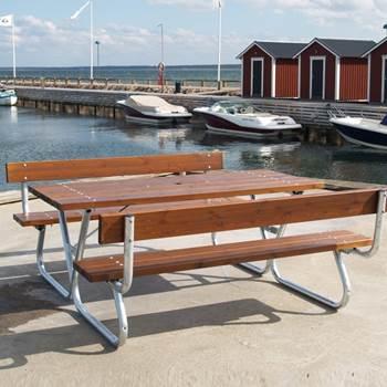 Extra långt bord med bänk