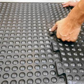 """Bubblemat"" anti-fatigue industrial mat"