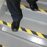 """""""Grip-foot"""" hazard warning tape"""