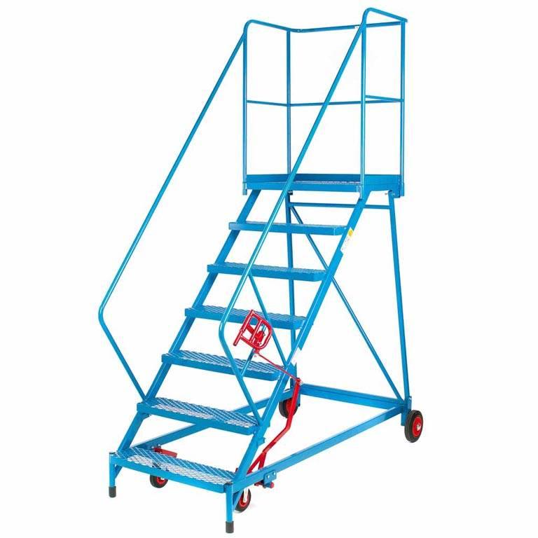 Easy slope mobile steps