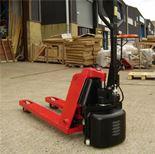 Semi-powered pallet truck: 1500kg