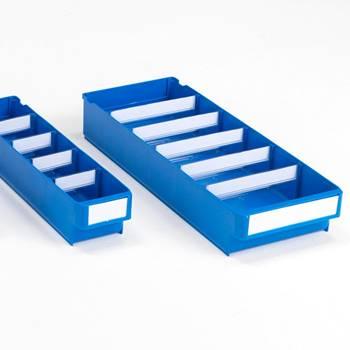 Niebieskie pojemniki magazynowe