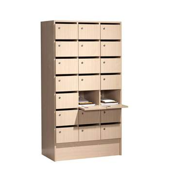 Lockable pigeon holes: 21 compartments